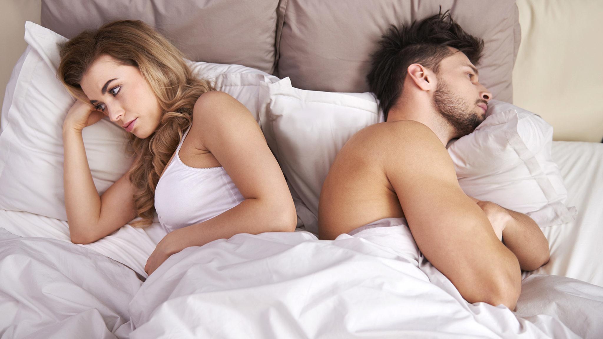Обольстительная жена в постели с мужем видео — img 7