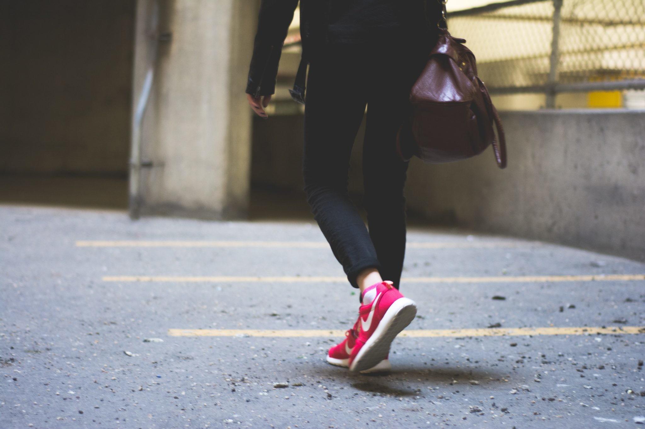 Факт дня: 15-минутная прогулка может продлить жизнь