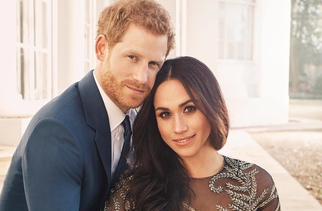 В сети появились первые фото в честь помолвки принца Гарри и Меган Маркл