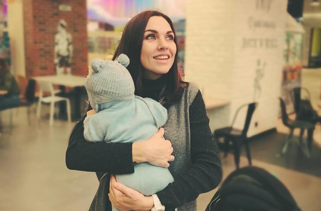 Певица Надя Ручка впервые показала лицо сына