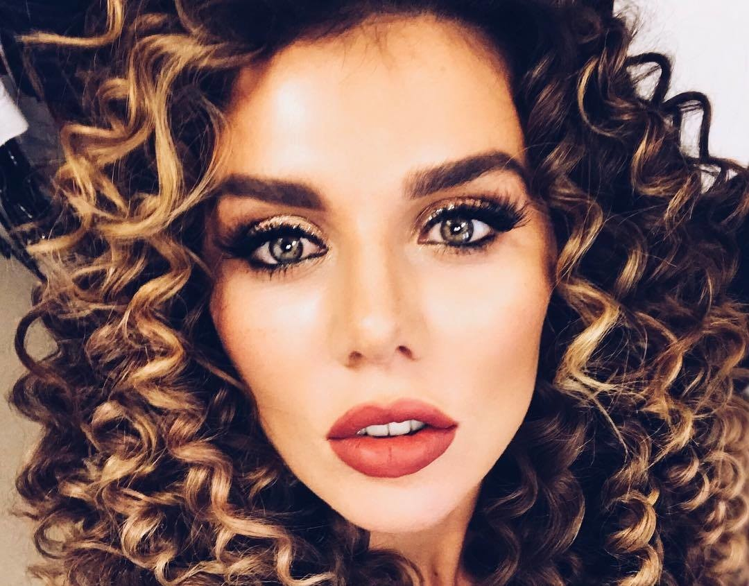 Как выглядит Анна Седокова без макияжа?