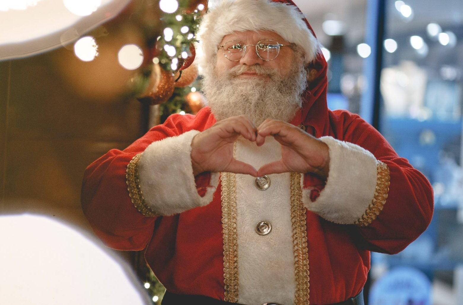 Кем заменить Деда Мороза? 6 способов сэкономить деньги
