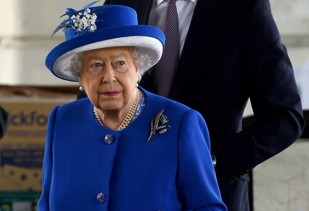 Королева Елизавета II отказалась идти на свадьбу принца Гарри