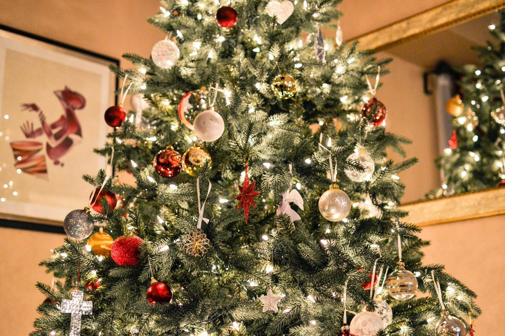Украшаем квартиру к Новому году: 5 оригинальных идей