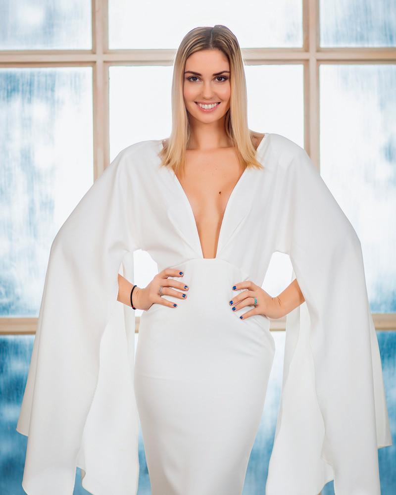 Жена Прилучного Агата Муцениеце чуть не развелась с ним из-за платья
