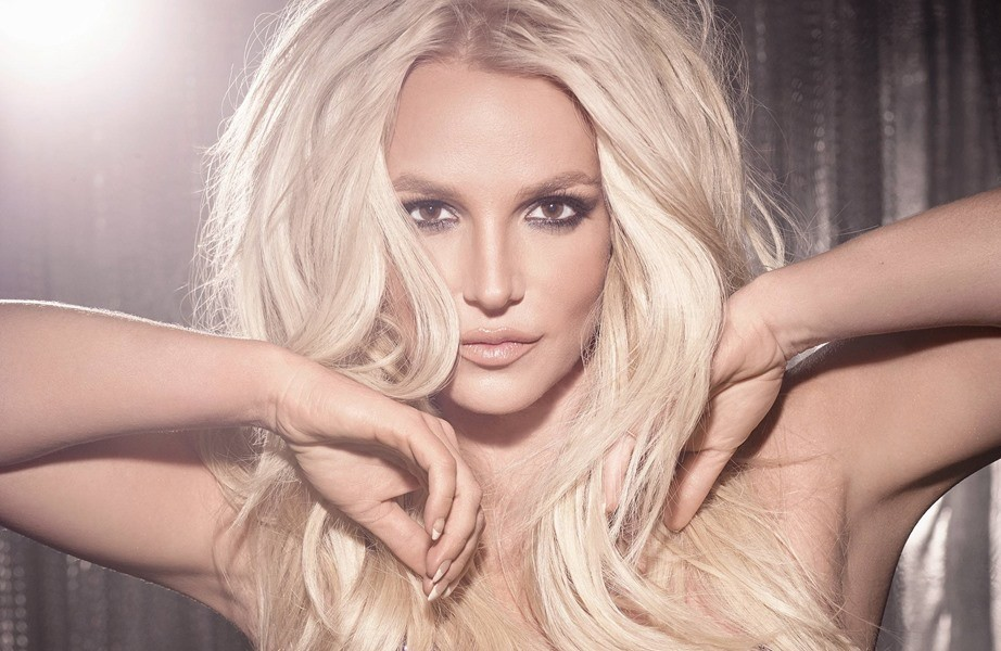 Упс! Она сделала это снова: Бритни Спирс оголила грудь (фото)