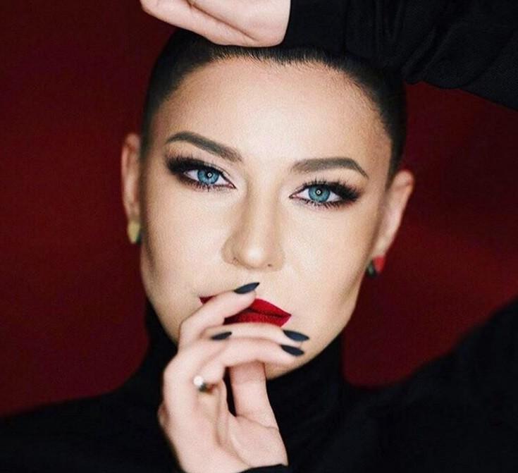 Ёлка: «Я многих раздражаю своим броским поведением»