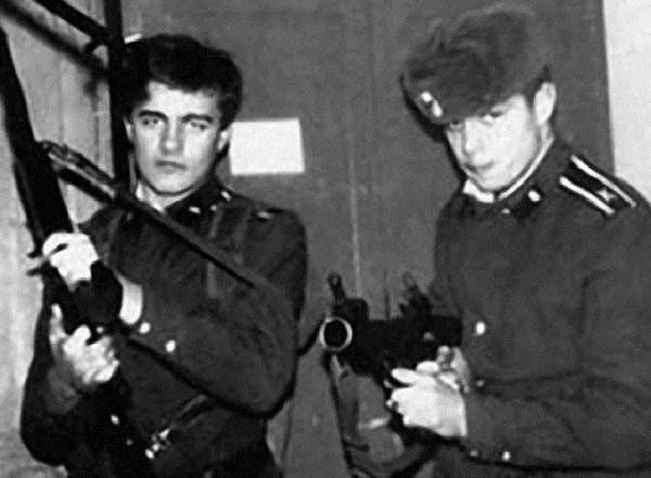 Звездный десант: Сергей Зверев и другие селебрити, служившие в армии