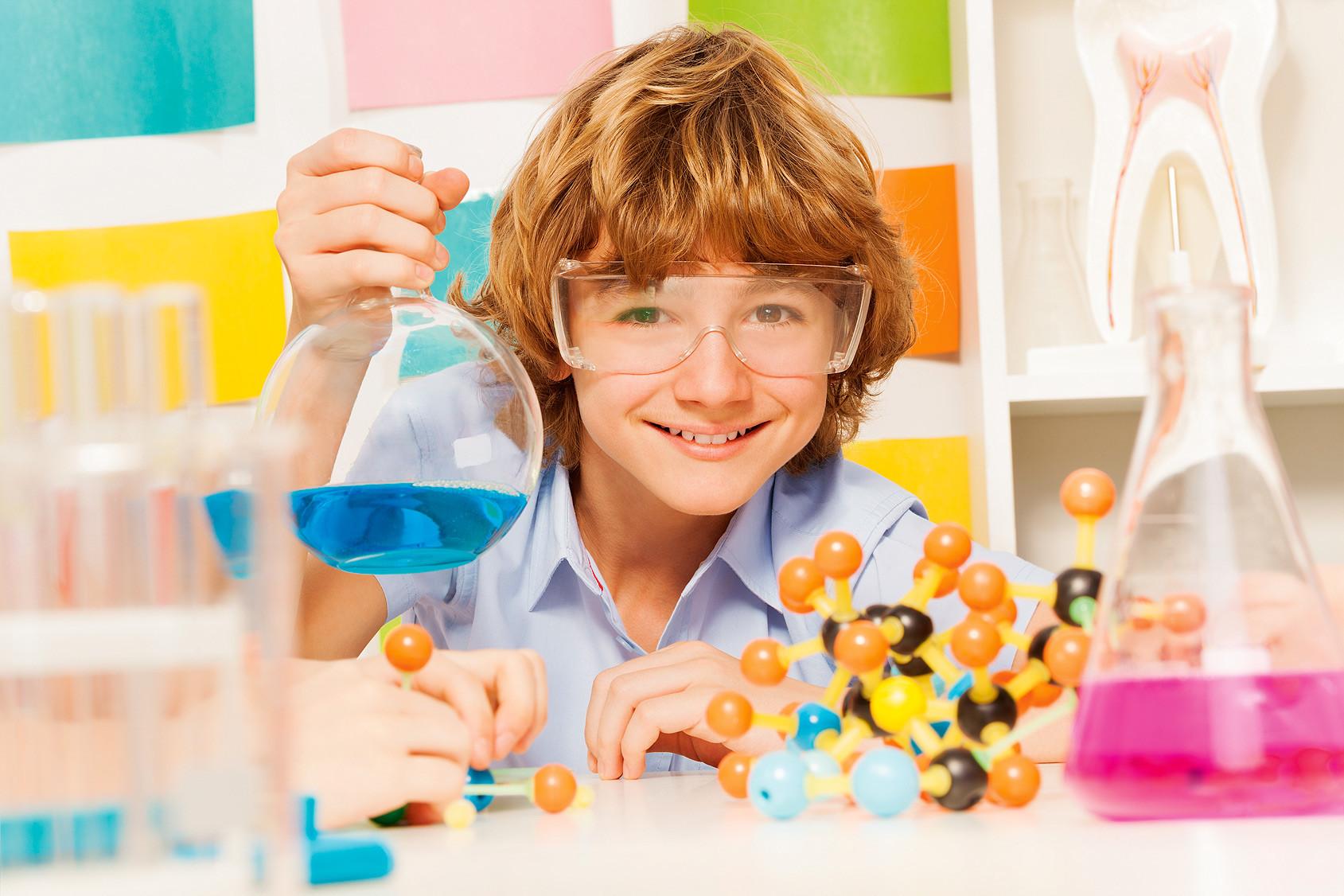 Чем заняться с ребенком: 3 интересных научных опыта