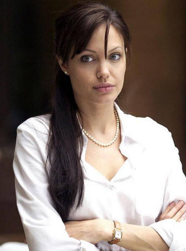 Анджелина Джоли прокомментировала свои отношения с Брэдом Питтом