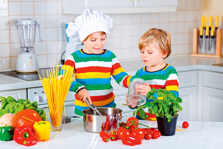 Соусы и подливки для детских блюд: советы диетолога и рецепты
