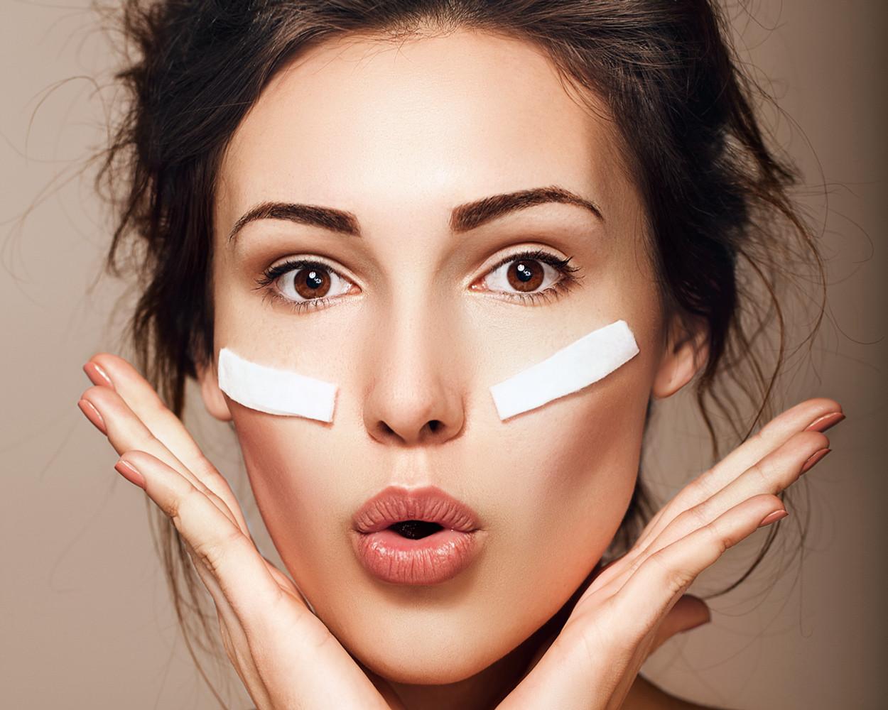Секреты красоты: убираем темные круги и морщины вокруг глаз