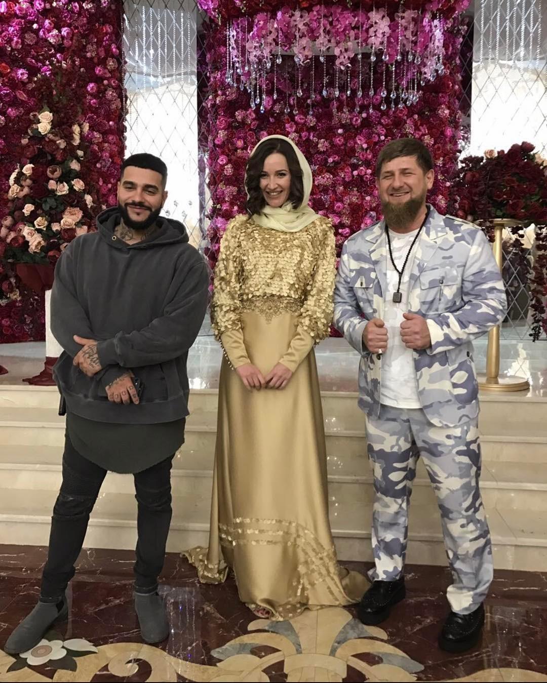 Бузова, Хилькевич, Тимати и другие посетили показ дочери Кадырова