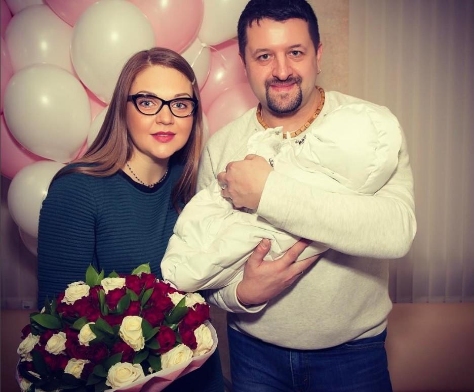 Марина Девятова рассказала, как рожала вместе с мужем