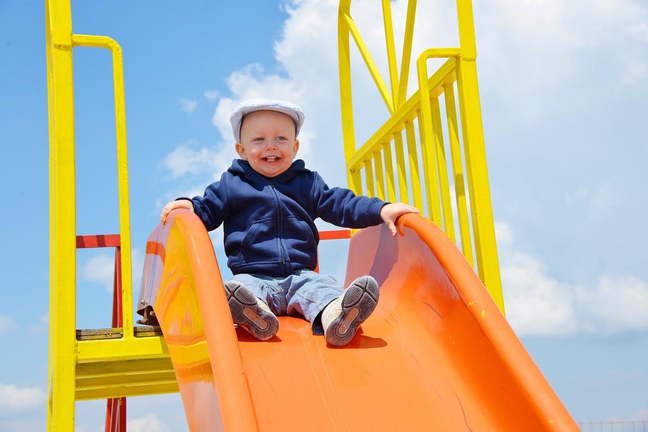 Что можно подарить ребенку: презенты под характер