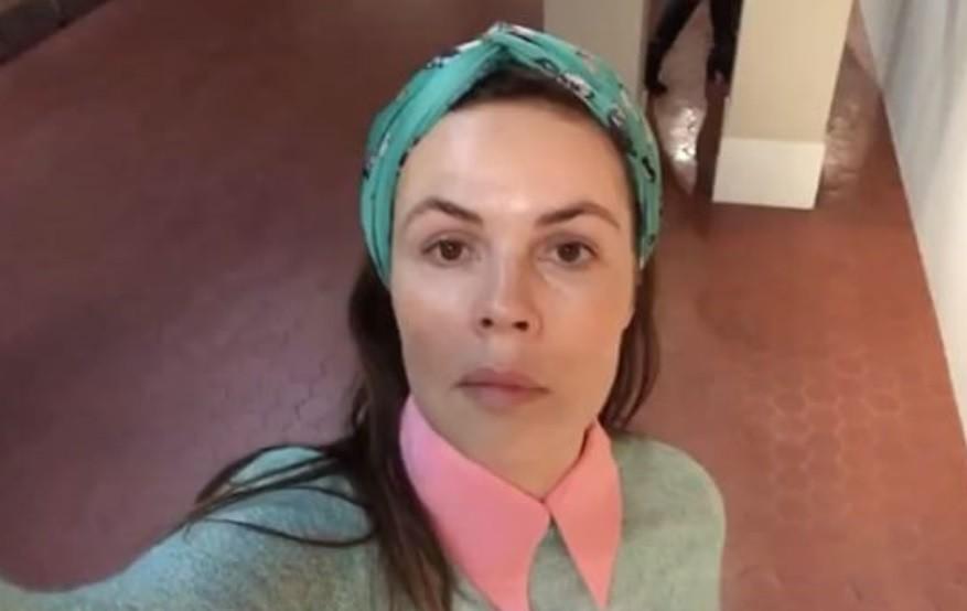 55-летняя Екатерина Андреева показала «молодильные» упражнения