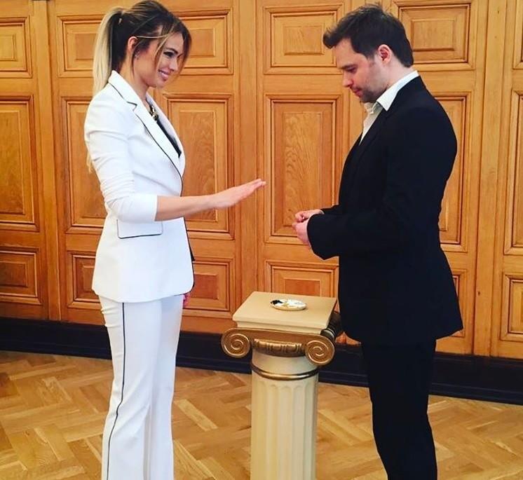 Свадьба Виталия Гогунского и Ирины Маирко была скромной (видео)