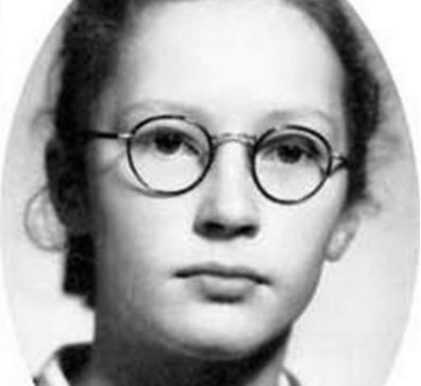 Алла Пугачева показала, какой она была пионеркой (фото)