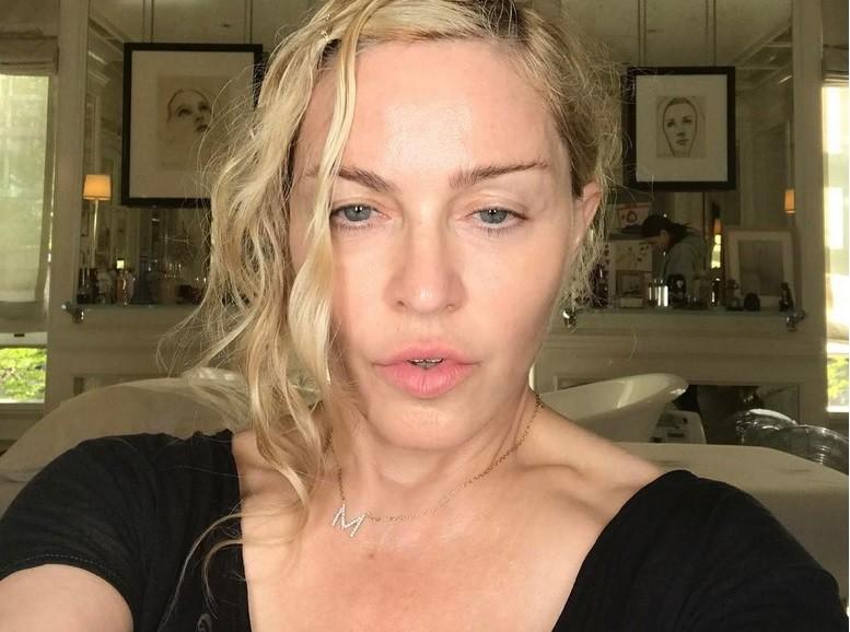 58-летняя Мадонна выложила селфи без макияжа (фото)