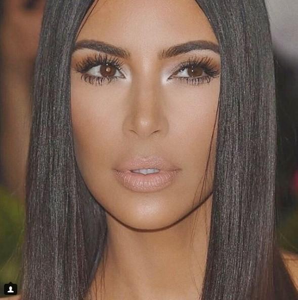 Ким Кардашьян запускает линию косметики