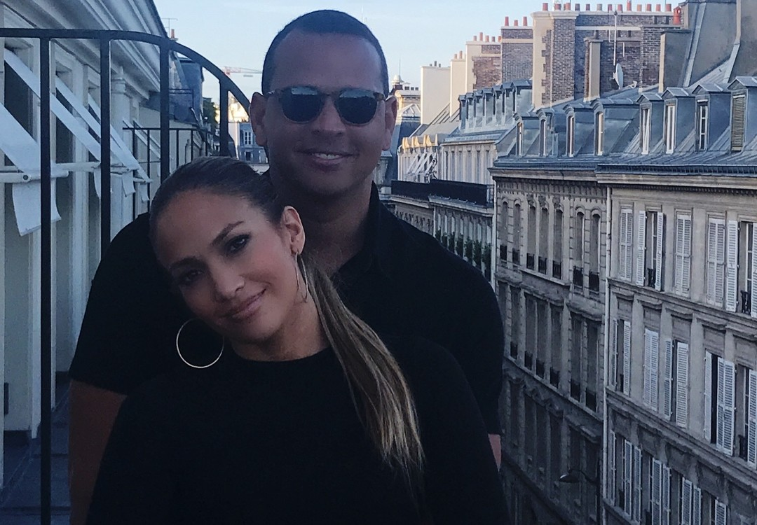 Дженнифер Лопес провела романтический уикенд в Париже