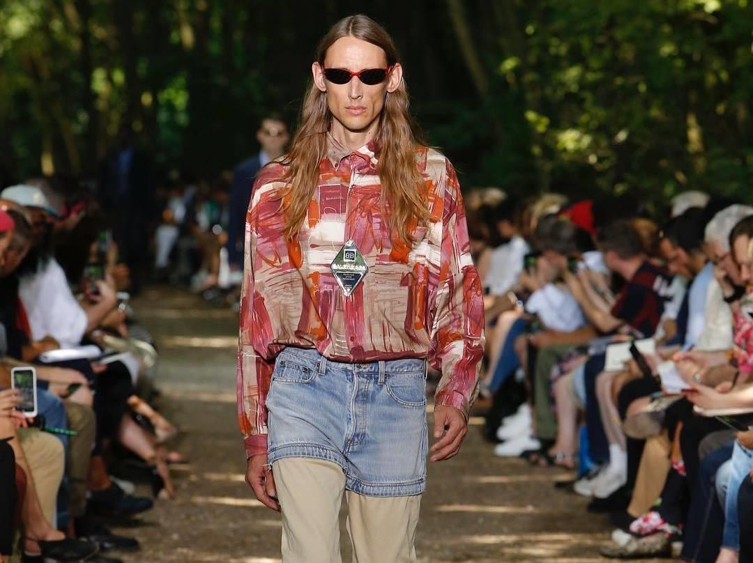 Тренды мужской моды-2017: платья, юбки и сандалии с носками