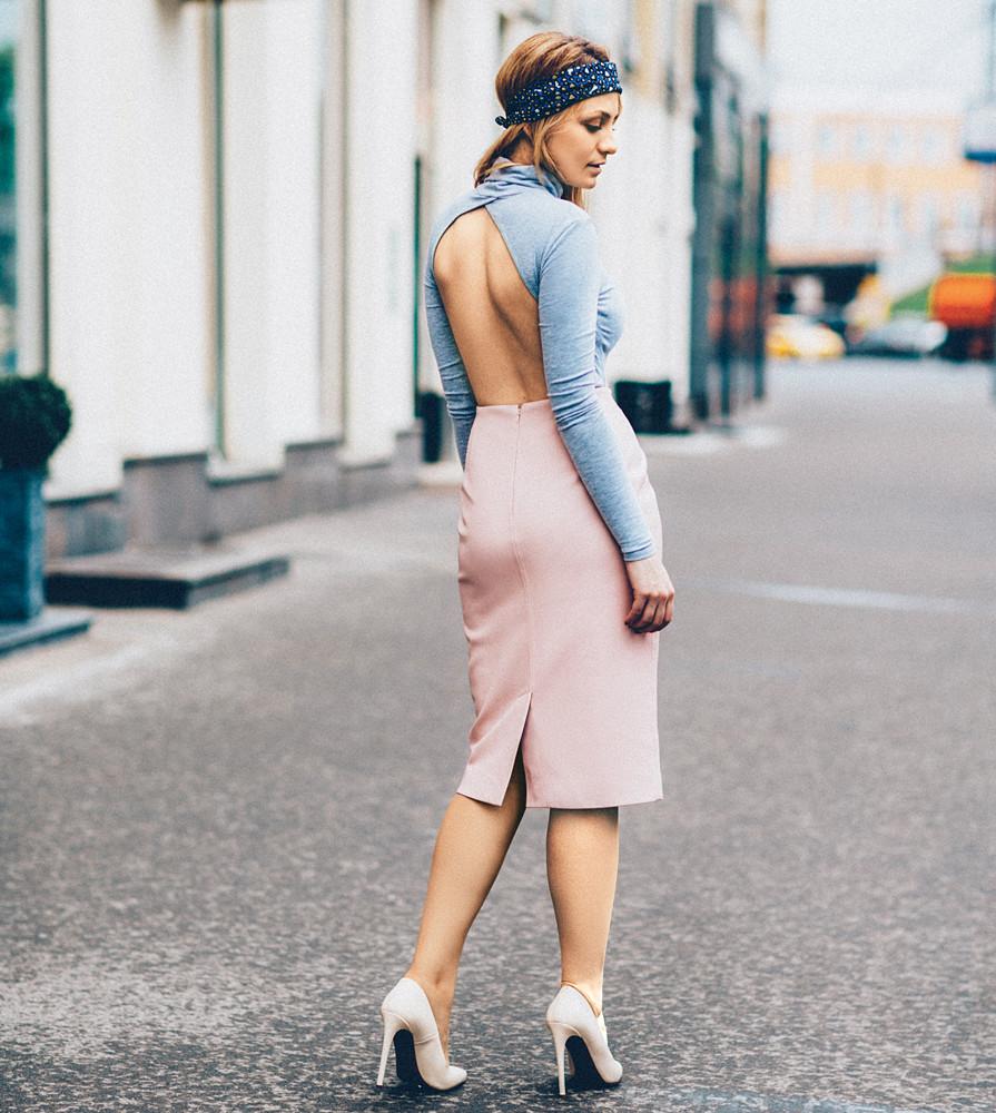Платья и боди с вырезом: 5 модных луков