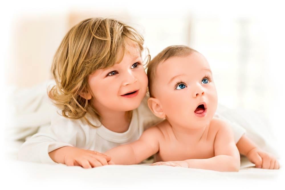 Дети-погодки: 7 лайфхаков для мамы