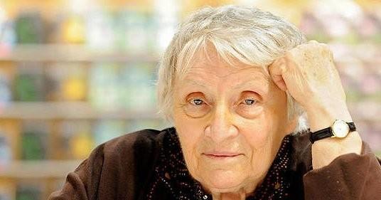 Автор серии книг об Анжелике умерла в возрасте 95 лет