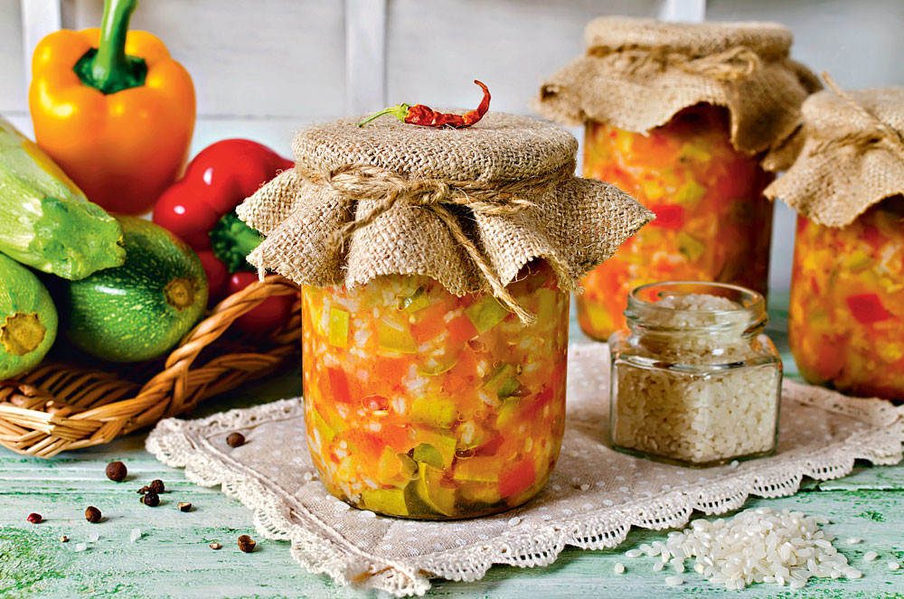 Салат из кабачков со сладким перцем и помидорами