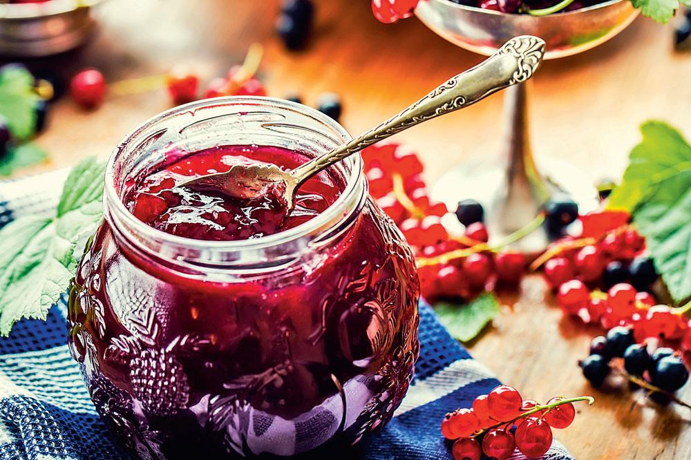 Варенье-ассорти из черной и красной смородины