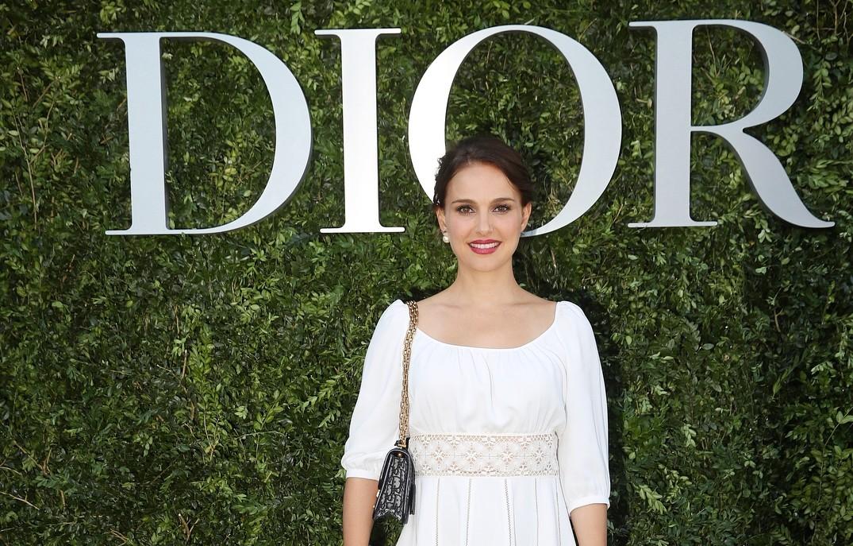 Натали Портман обнажилась для смелой рекламы Dior (фото)
