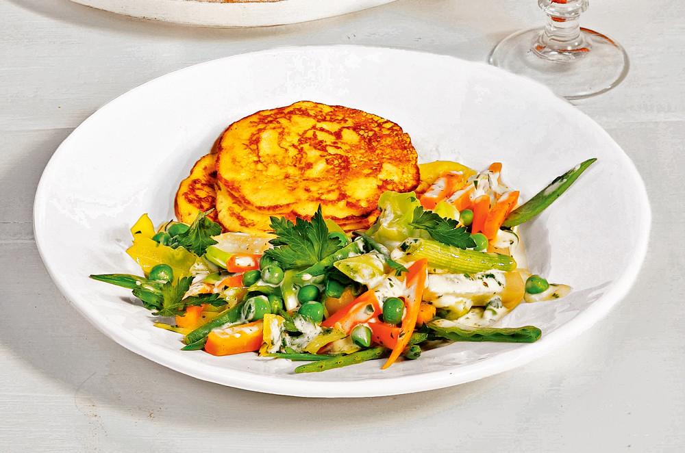 Летние оладьи с разными овощами