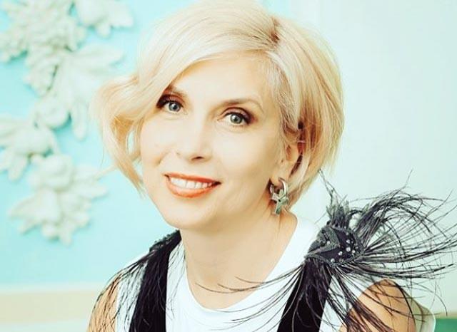 Как 55-летней Алене Свиридовой удается выглядеть на 30?