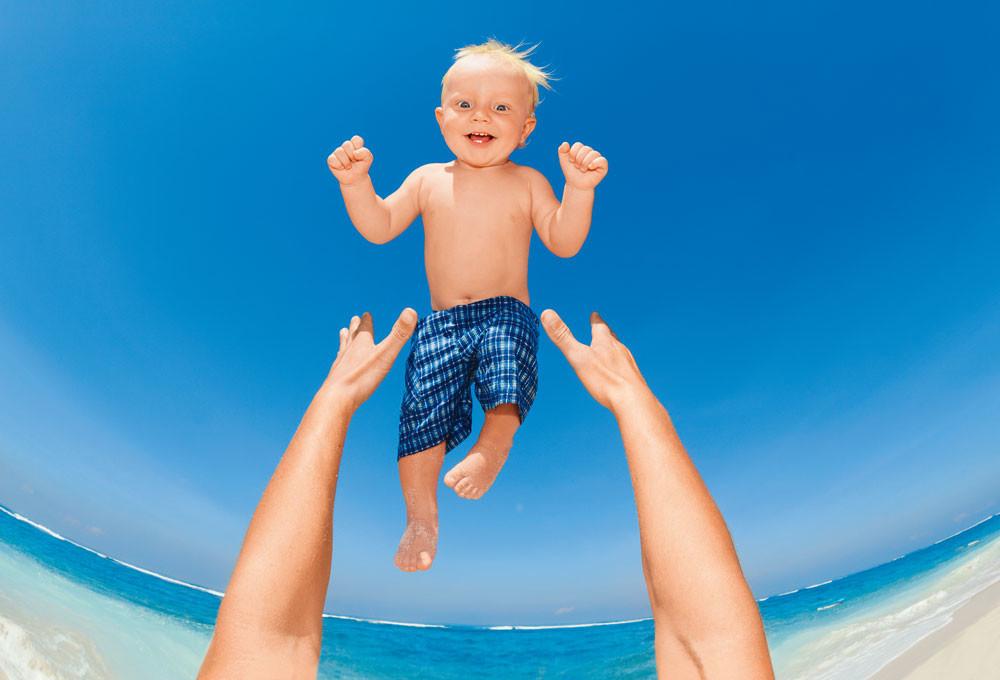 Отпуск без бед: как обезопасить ребенка от экзотических болезней
