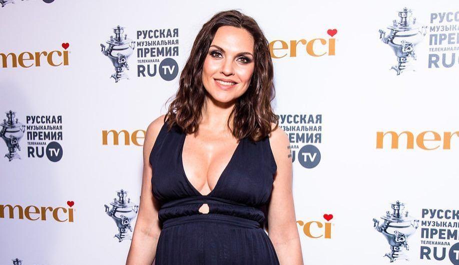 Певица Надя Ручка назвала причину ухода из «Блестящих»