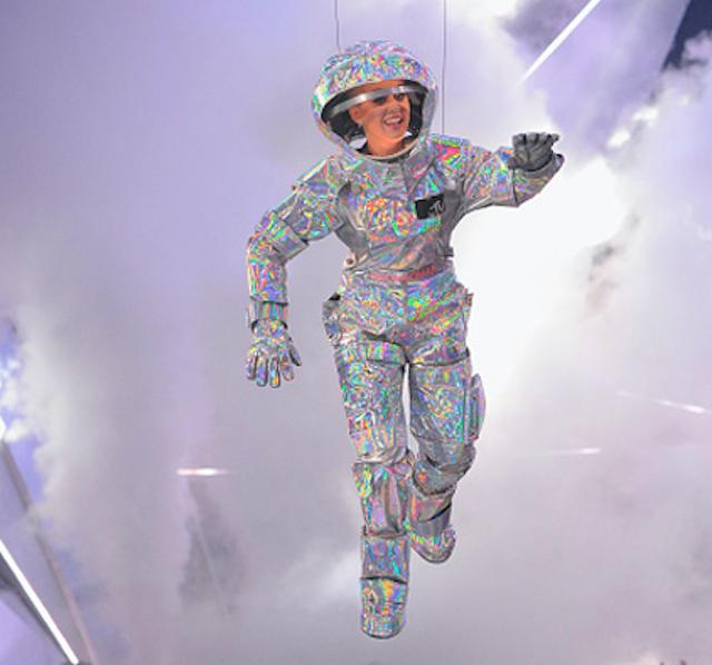 Худшие наряды звезд на церемонии MTV VMA
