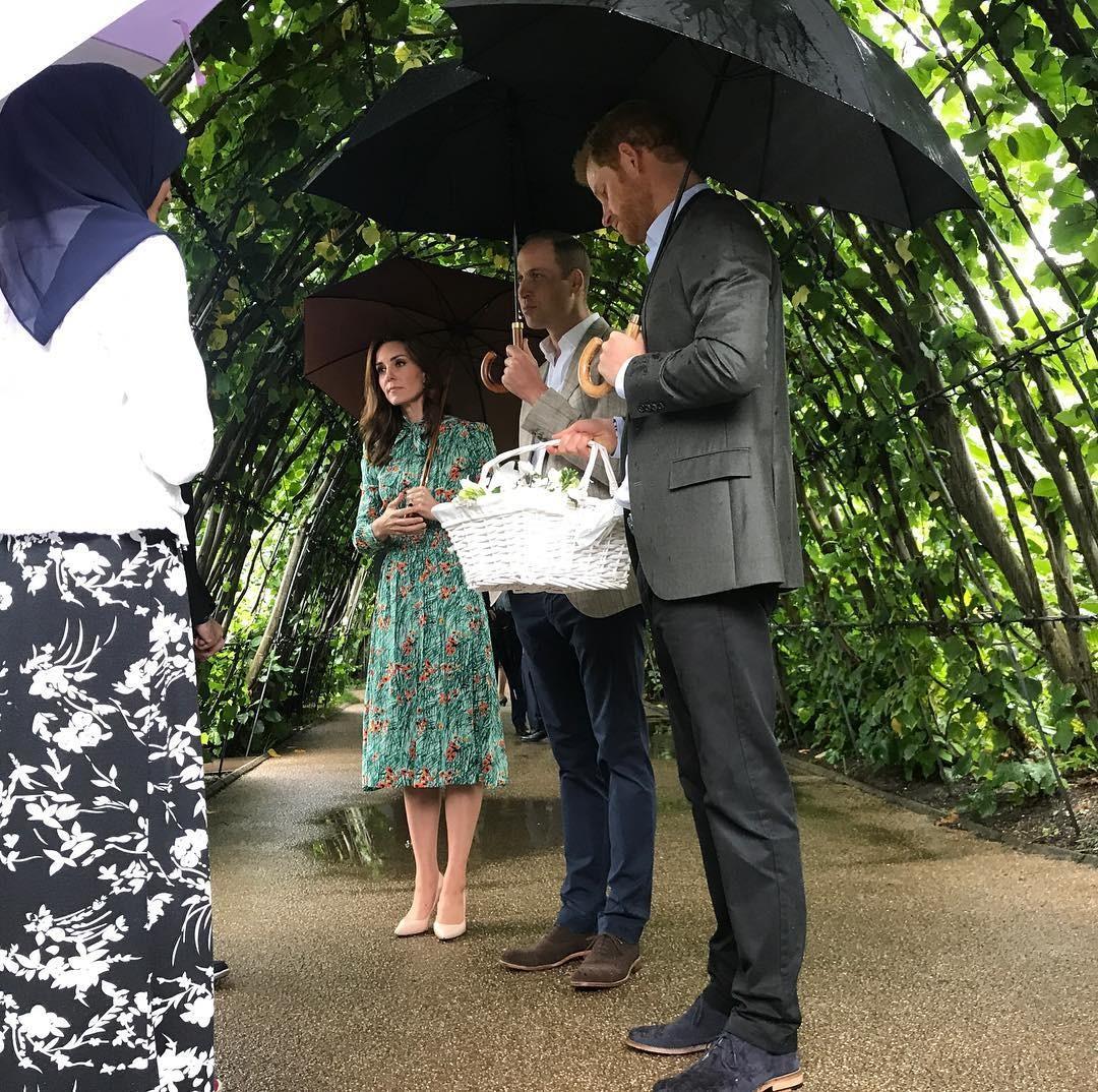 Принц Уильям и Кейт Миддлтон почтили память принцессы Дианы