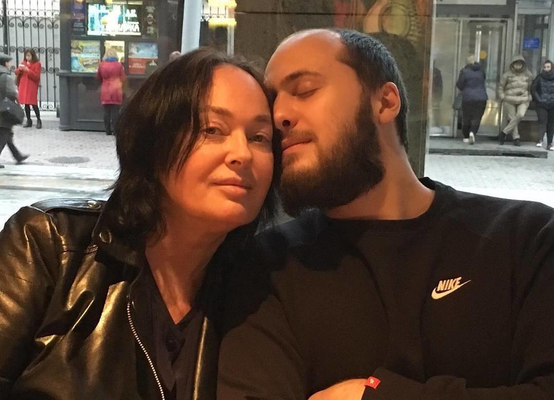 Главная сваха страны Лариса Гузеева женит 26-летнего сына