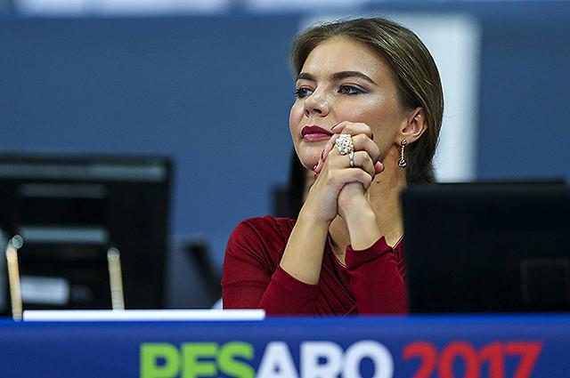 Алина Кабаева впервые появилась на публике после долгого перерыва