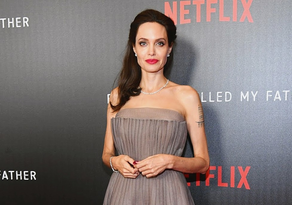Анджелина Джоли напугала поклонников болезненной худобой