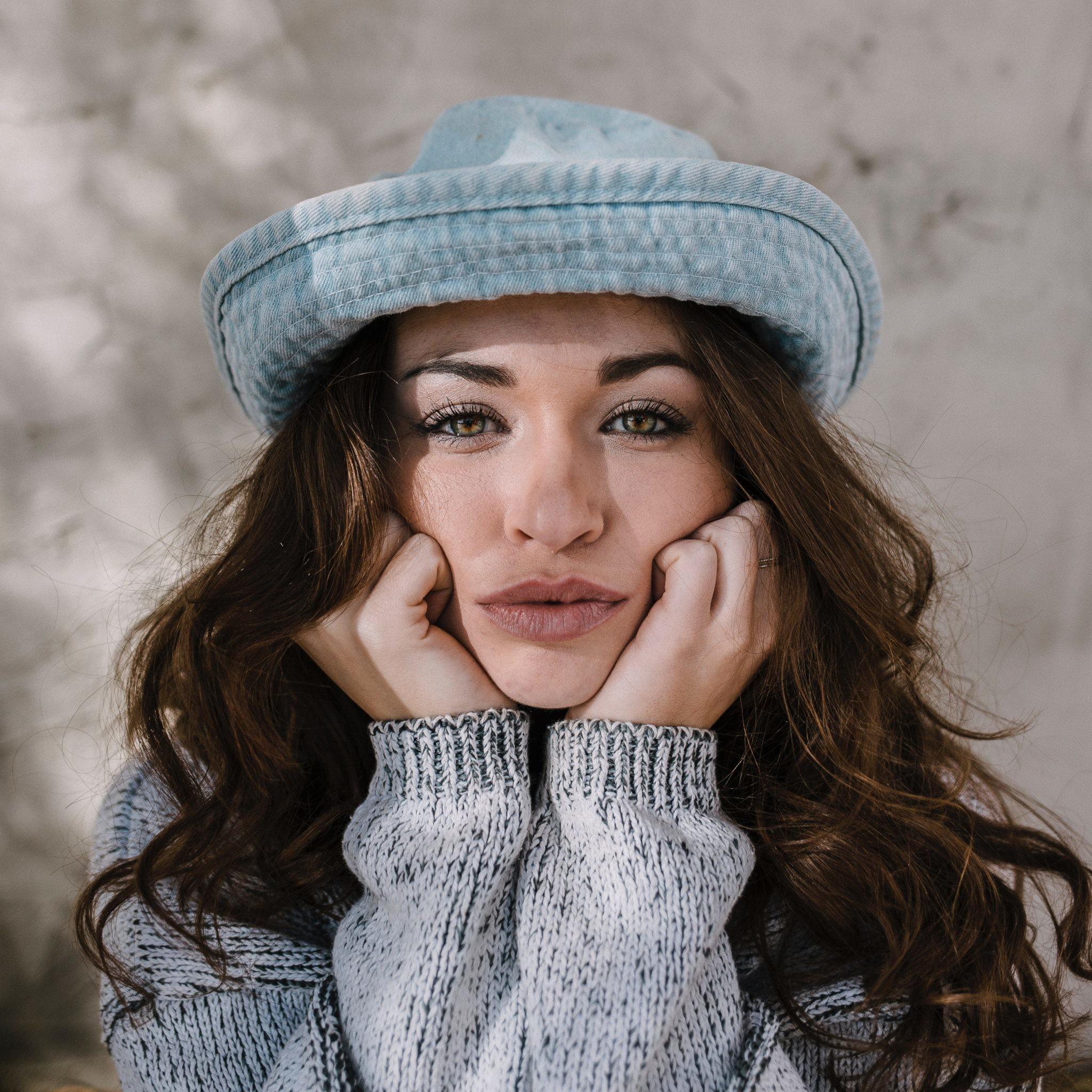Вопрос косметологу: какие косметические процедуры стоит делать именно осенью?