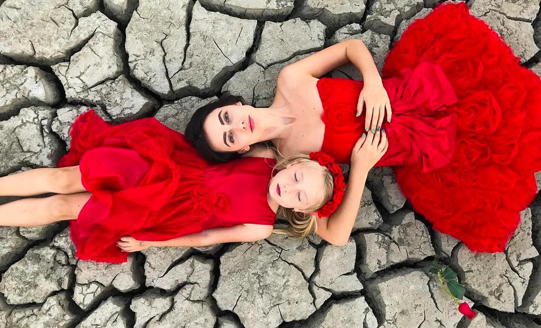 Вопрос стилисту: с чем носить красные платья?