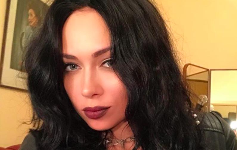 Настасья Самбурская рассказала историю домашнего насилия в своей семье