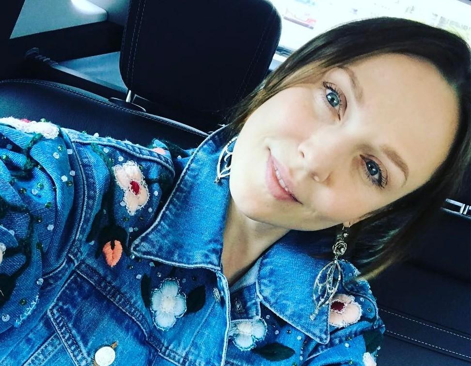 Альбина Джанабаева рассказала, как в 38 лет выглядеть на двадцать