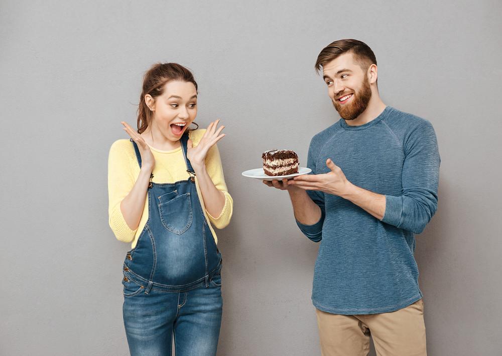 Как справиться с тягой к сладкому во время беременности?