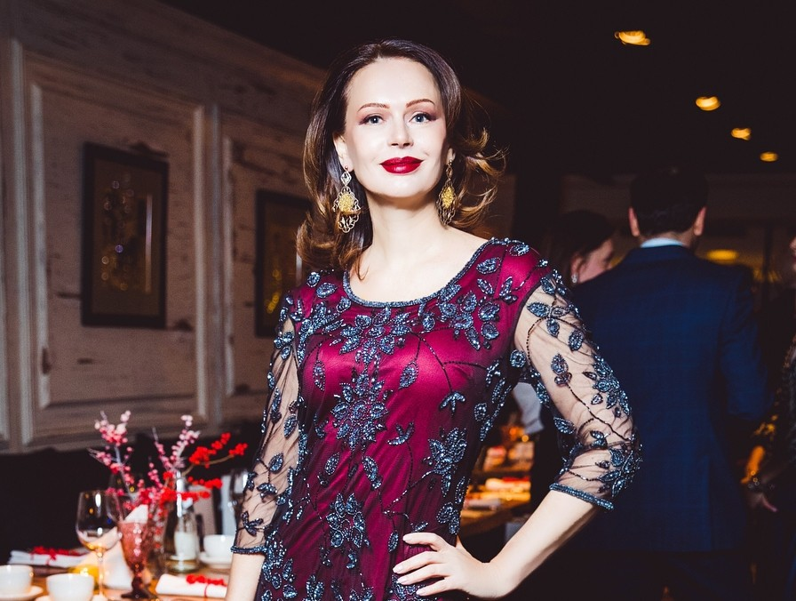 Как Ирина Безрукова выглядит без макияжа?