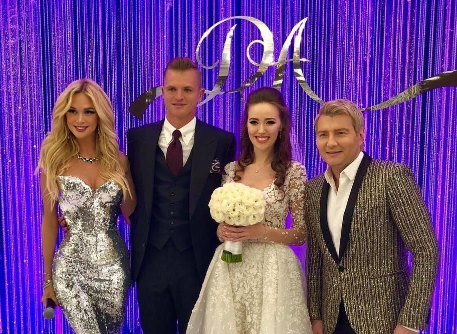 Дмитрий Тарасов и Анастасия Костенко обвенчались