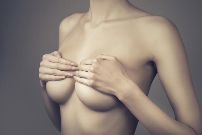 10 основных причин боли в груди