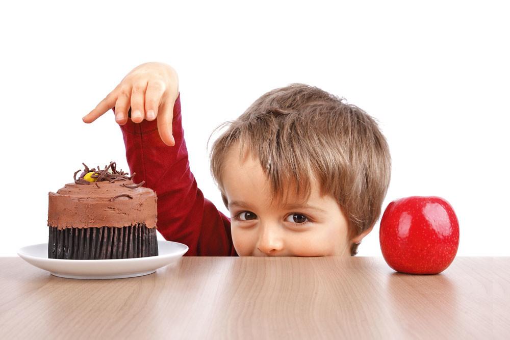 Чем ни в коем случае нельзя кормить ребенка?